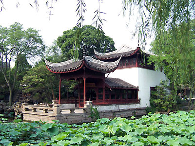 Graceful Chinese Garden Architectures