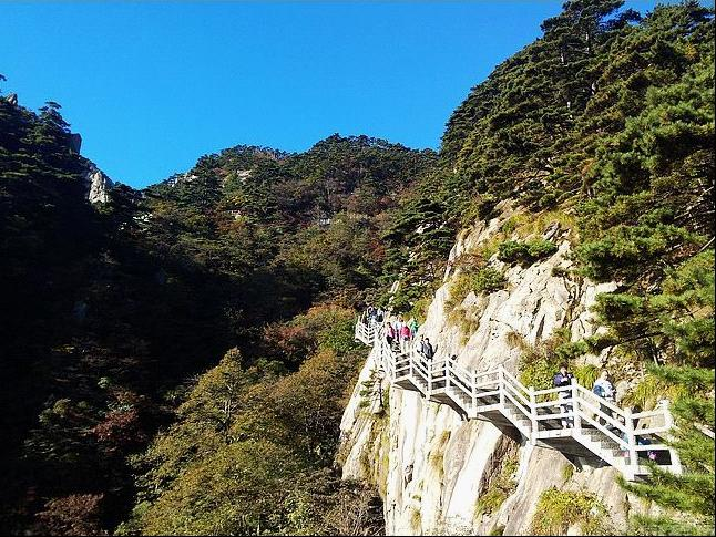 The most relaxing trip to Huangshan, the most famous mountain in China