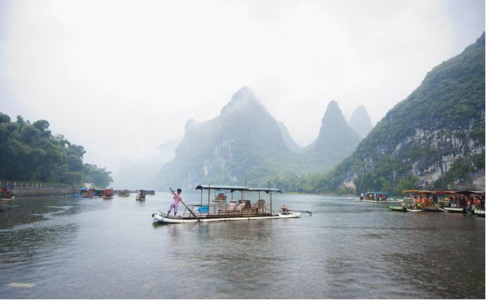 Li River Bamboo Rafting to find the most landscape in China