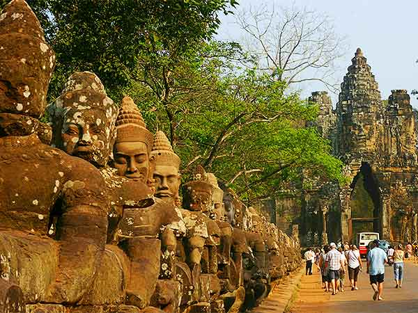 14 Days China to Cambodia Group Tour