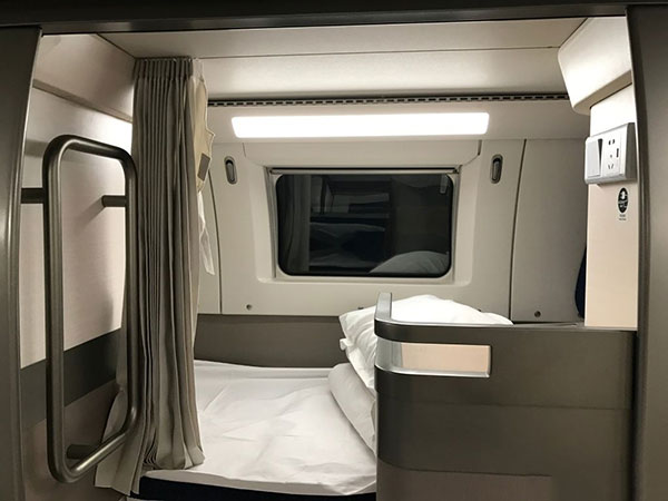 high-speed train sleeper