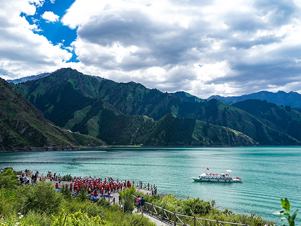 Most Famous Lakes in China-Heavenly Lake in Urumqi
