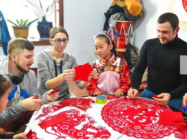 Learn to Make Traditional Chinese Handiworks in Beijing