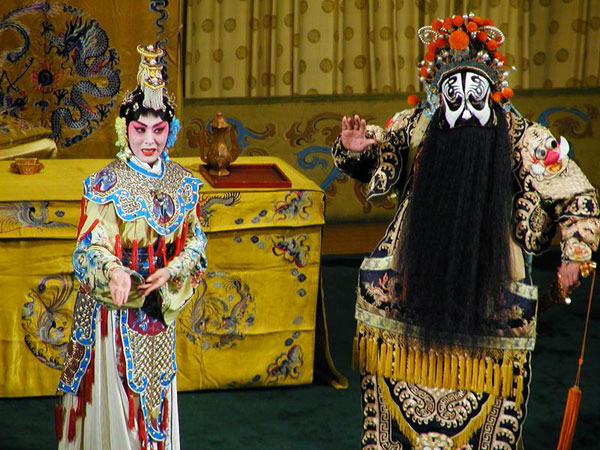 a description of beijing opera as a national treasure of china with a history of 200 years Description peking opera of china is a national treasure with a history of 300 years in the 67th year of the reign of emperor qianlong of the qing dynasty, the four big huiban opera troupes entered the capital and combined with kunqu opera, yiyang opera, hanju opera and luantan in beijing's thearetical circle of the time.