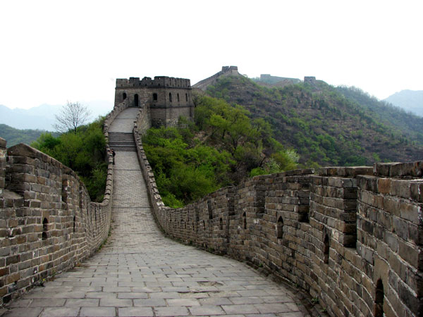 Which sections of the Great Wall are recommended?