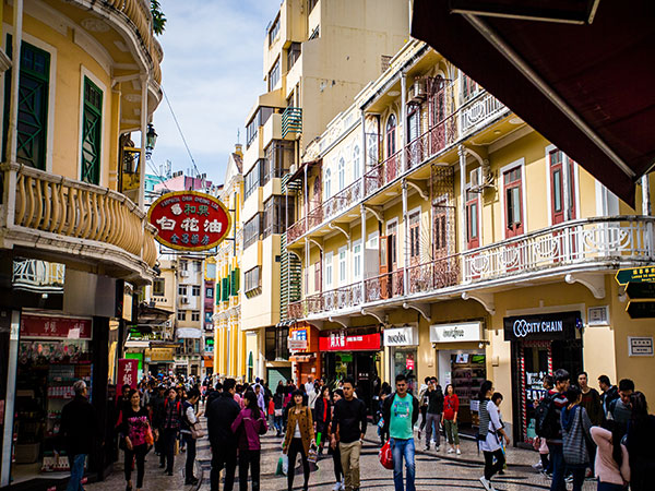 macau shopping street