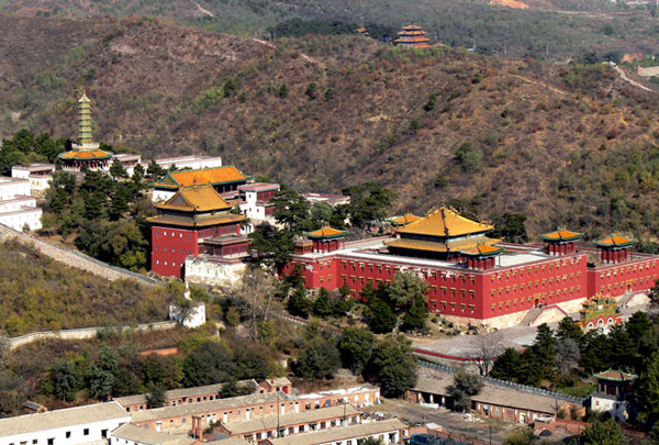 The Magnificent Little Potala Palace--- Putuo Zongcheng Temple