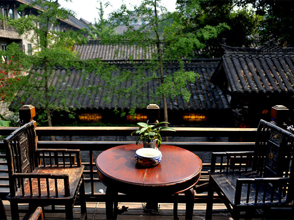 Drink a Cup of Tea in Chengdu