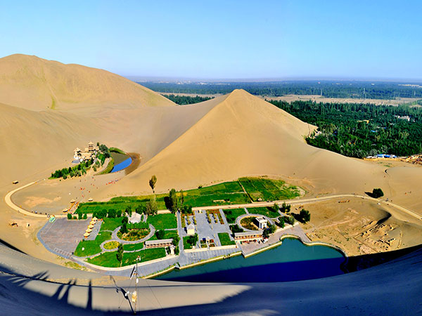 Crescent Spring and Singing Sand Dune