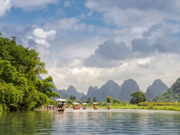 Experience the Rafting on the Yulong River