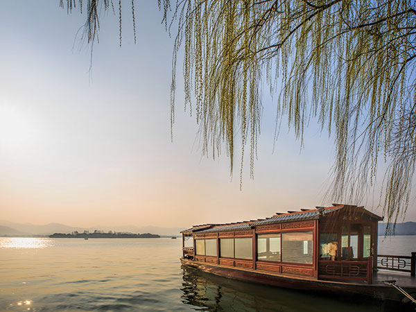 Take a Cruise in West Lake