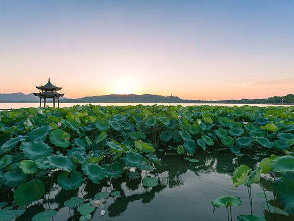 Best Time to Visit Zhejiang
