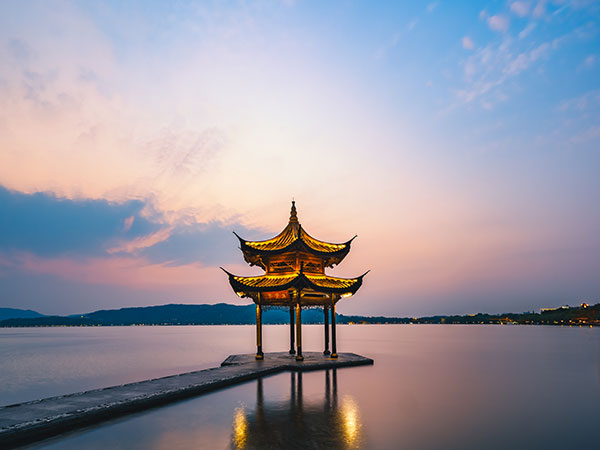 Most Famous Lakes in China-West Lake in Hangzhou