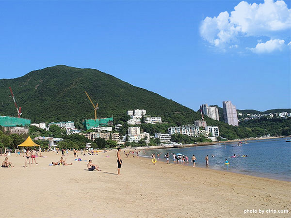 Have a Sun-bathing on the beach of Hong Kong