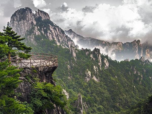 Most Beautiful Places in China - Yellow Mountain