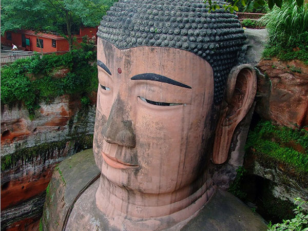 A Quick Visit to Leshan on route to Mount Emei