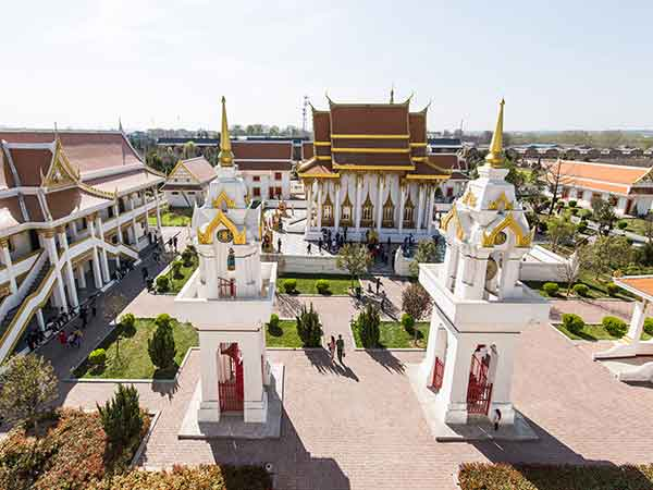 Most Famous Temples and Monasteries in China