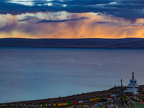 Most Famous Lakes in China-Namtso Lake in Nagqu