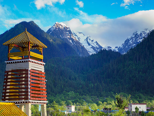 Best Places to Visit in China in March-Nyingchi/ Tibet