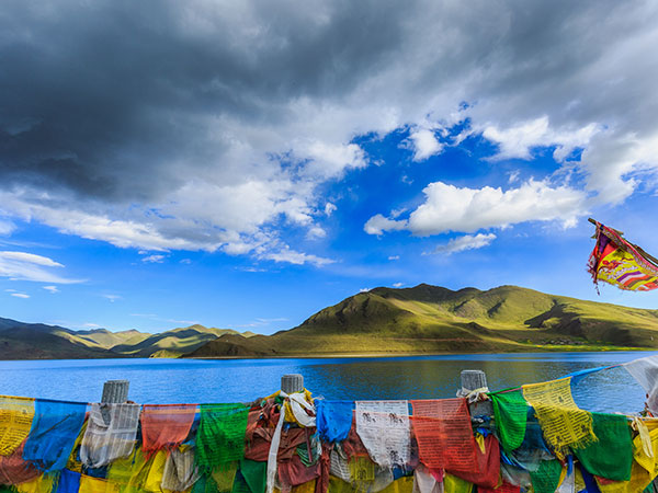 The Highest Lakes in China-Yamdrok Lake, Shannan
