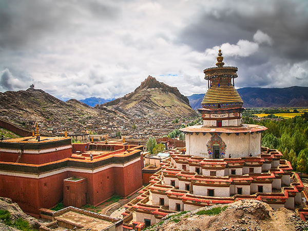 STUNNING PHOTOS THAT WILL MAKE YOU WANT TO TRAVEL TO TIBET