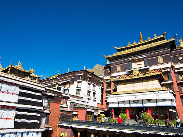Shigatse Travel Guide