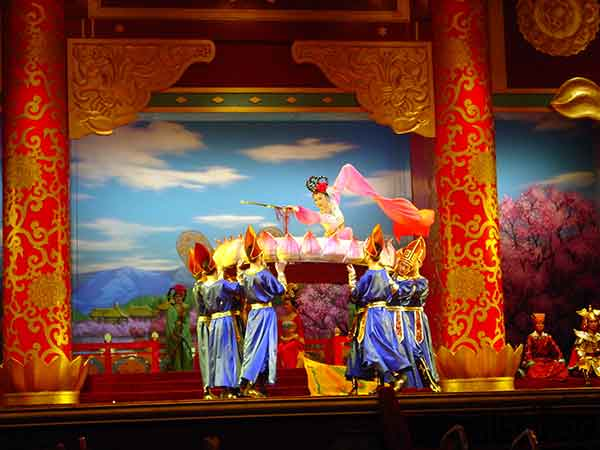 Enjoy Tang Dynasty Show with Dinner