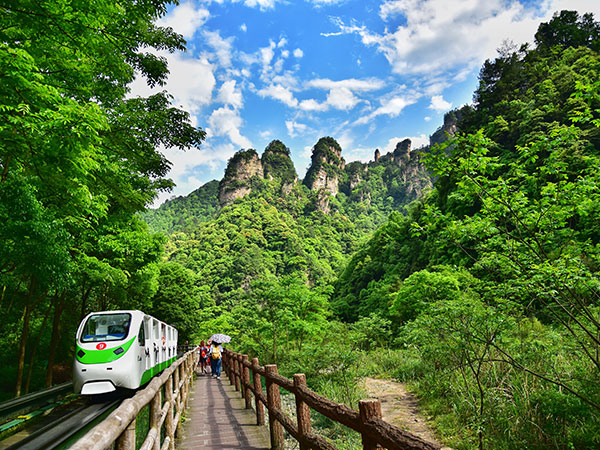Travel from Nanning to Zhangjiajie by Train, Flight
